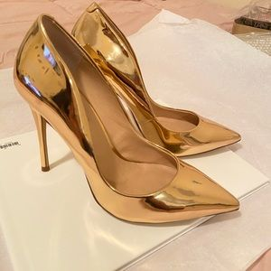 Absolutely gorgeous pair of heels 👠 🥰 size 8.5